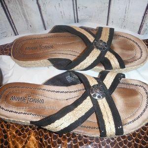 vintage Minnetonka sandles chonco on top